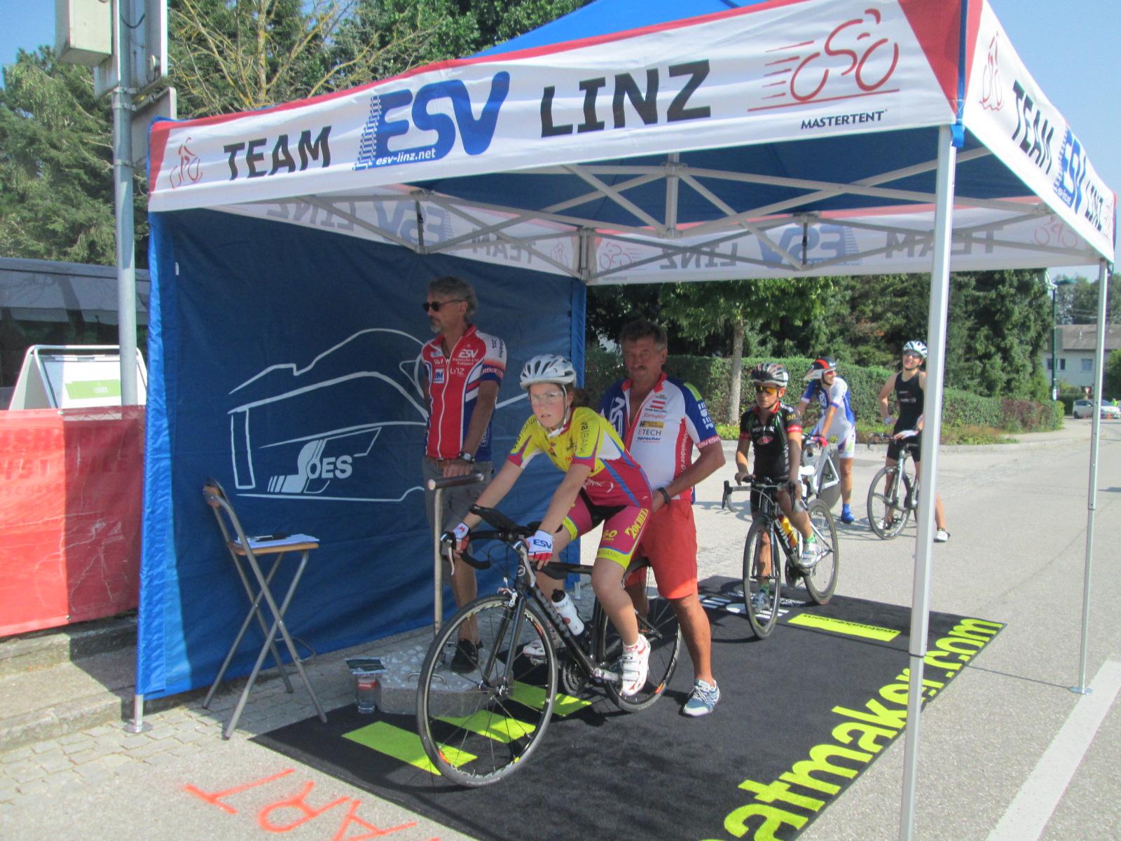 Matten von EDER beim Start - Radrennen