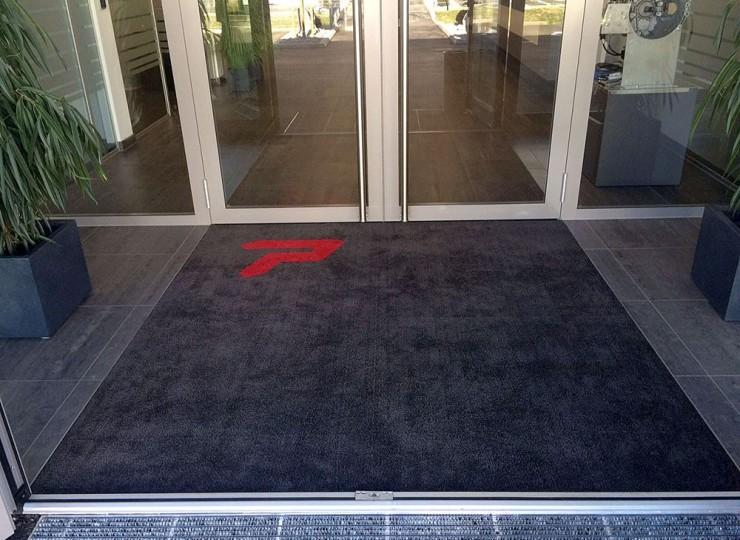 Stickmatte im Eingangsbereich
