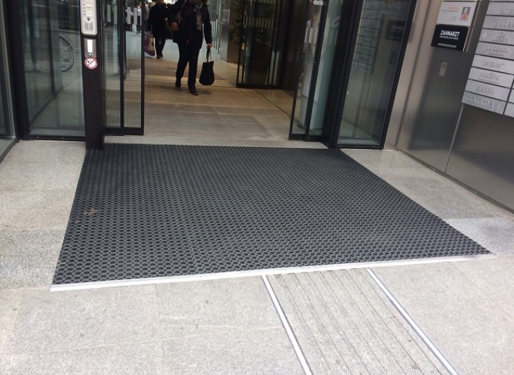 Eingang_Rathausgalerien_Alpin