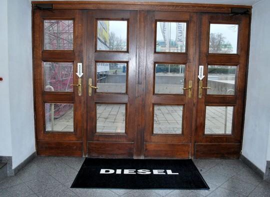 Stickmatte DIESEL Store